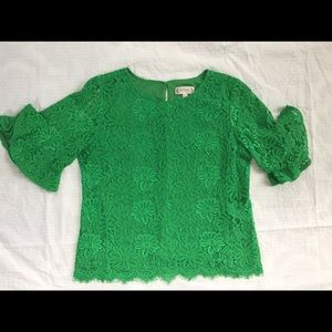 Tops - Beautiful kelly green lace overlay top
